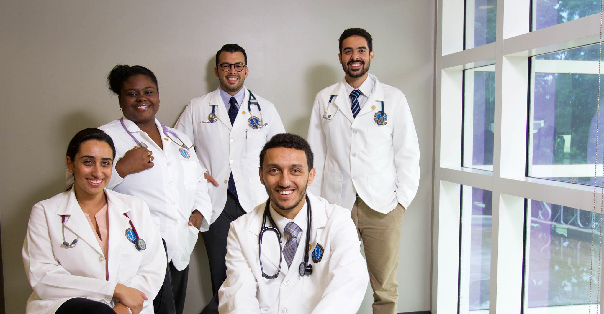 Group picture of Ross University School of Medicine students